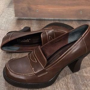 NWOT Mudd vegan leather heeled loafers